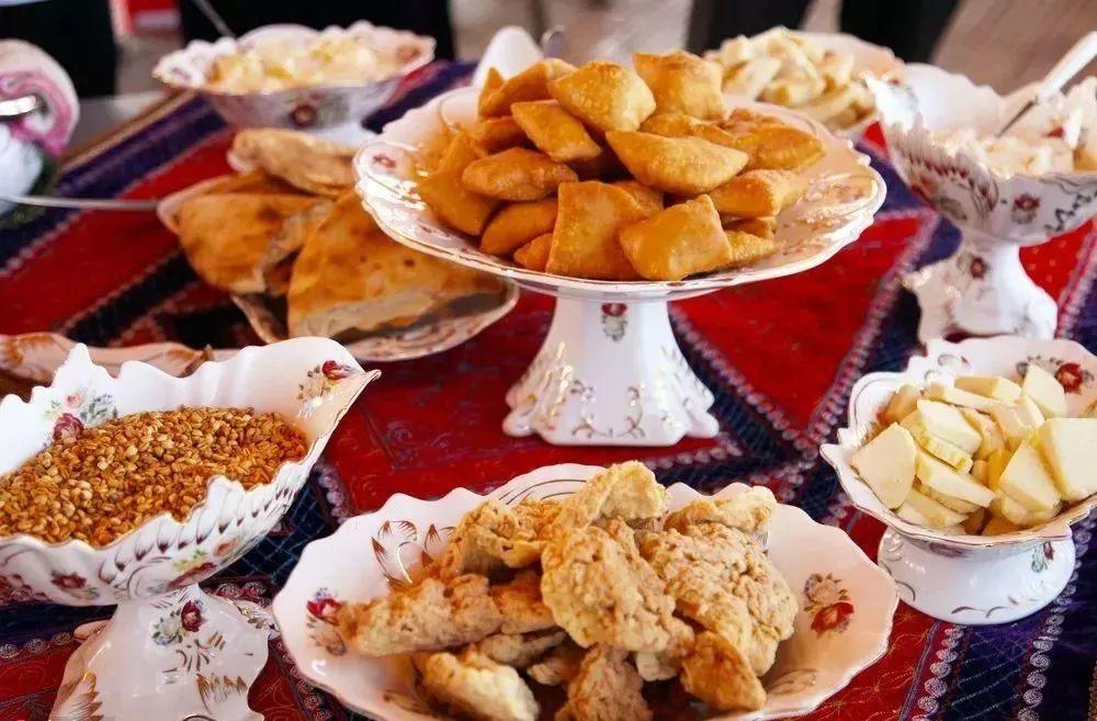 新开10对疆内列车!带你快速领略此生不可错过的新疆美食美景