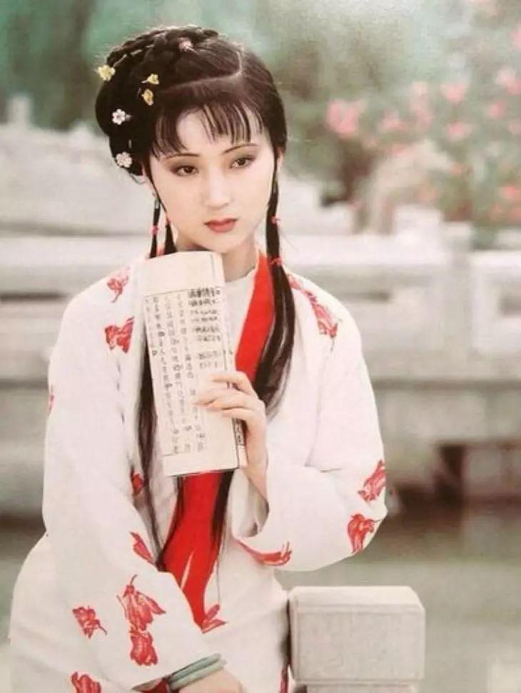 北京大观园塑像吓哭小孩 87版红楼梦剧照变味?