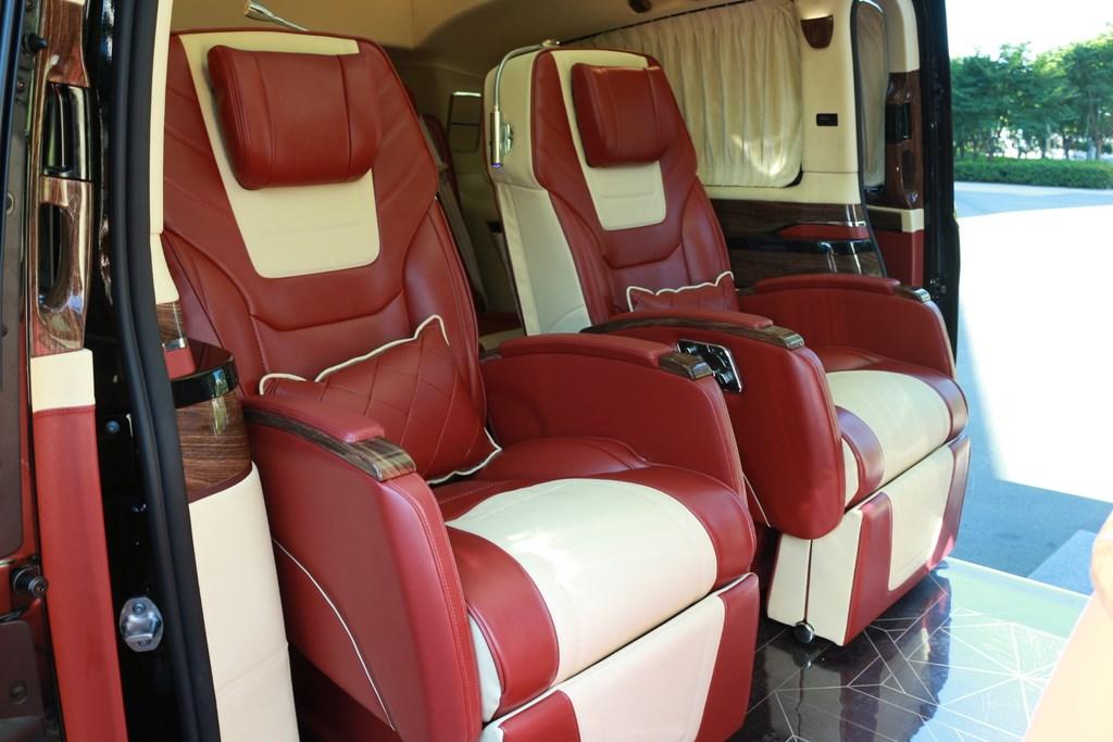 奔驰v260商务车报价表内饰改装奔驰v级   电话15088779054