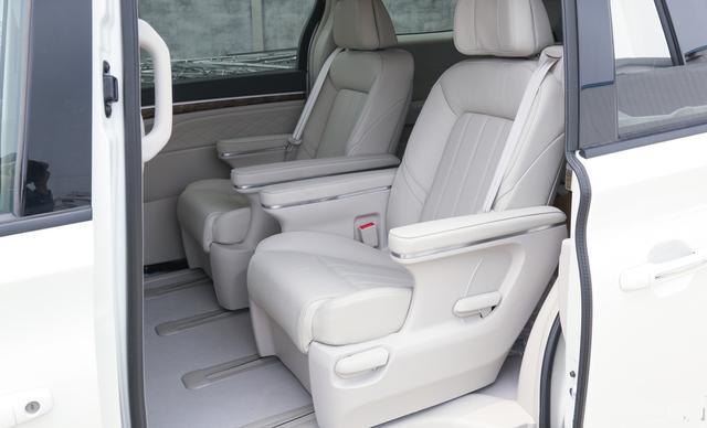 享受VIP般的乘坐舒适感,从拥有传祺GM8开始吧