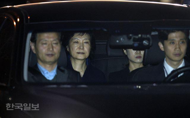 朴槿惠坐牢2年零16天今夜羁押期满 法院:不会放她