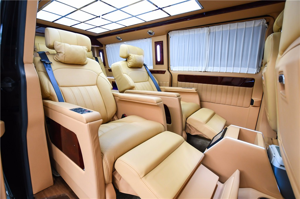 辽宁大连进口大众凯路威升级改装商务车 电话:15088779054