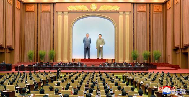 """手记:""""金普会""""上的朝鲜女摄影记者"""