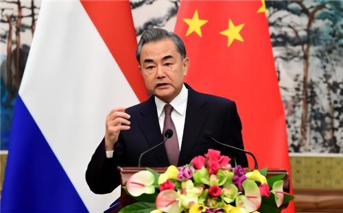 王毅向西方势力喊话:香港不是你们横行的地方!