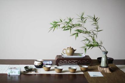 军事资讯_茶席之美成之于人 一壶一盏皆是修道_凤凰佛教