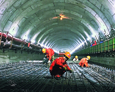 三阳路长江隧道彰显实力 创下国内外多项新纪录