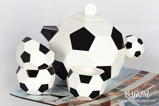 足球茶具。 美丽河北办公室/供图