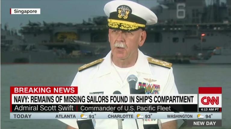 美军在麦凯恩号驱逐舰中发现多名失踪船员遗骸