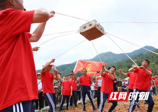 慈利縣舉行首屆打硪運動會